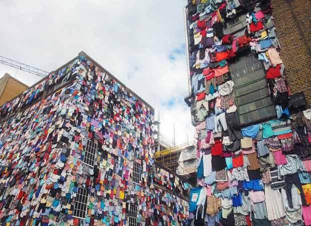 L 39 arte per denunciare la nuova campagna di m s idee for Vestiti usati in regalo