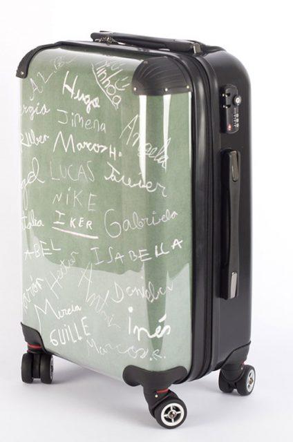 valigia personalizzata con scritte e nomi