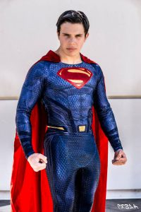 come fare un costume di superman artigianale